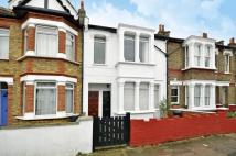 Flat to rent in Darwin Road, Ealing, W5