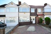 3 bedroom home in Jubilee Road, Perivale...