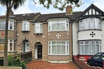 3 bed house to rent in Park Avenue, Hanger Hill...