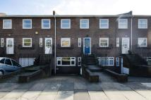 2 bed house in Arran Mews, Ealing, W5