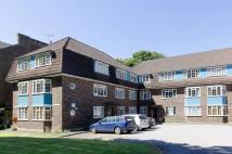 2 bedroom Flat in The Common, Ealing, W5