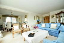 3 bed Flat for sale in Minster Court, Ealing, W5