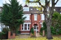 Creffield Road Flat to rent