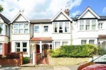 Flat to rent in Windermere Road...