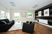 Flat in The Green, Ealing, UB2