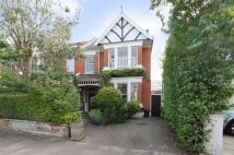 4 bed house in Chatsworth Gardens...