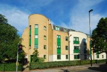 2 bedroom Flat to rent in Greenford Road, Ealing...
