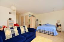Studio apartment in Trentham Court...