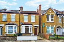 1 bedroom Flat in Darwin Road, Ealing, W5