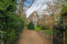 5 bed Detached house in St Marys Road...