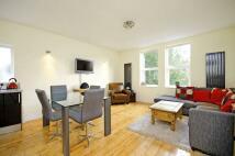 2 bedroom Flat in Montpelier Avenue...