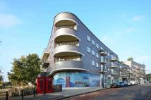3 bed Flat in Alfred Court...
