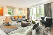 2 bedroom Flat for sale in Oxshott, Leatherhead...