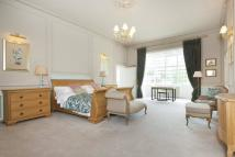 Flat for sale in Breakspear House...