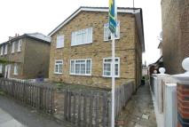 1 bed Flat to rent in Russell Road, Wimbledon...