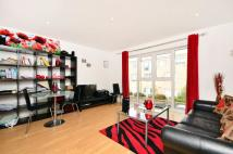 Flat for sale in Park Road...