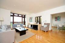7 bedroom property to rent in Cottenham Park Road...