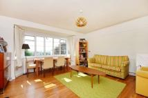3 bedroom Flat in Raymond Road, Wimbledon...