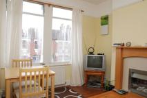 Flat to rent in Hotham Road, Wimbledon...