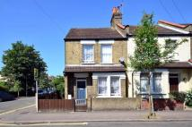 3 bedroom house in Mill Road, Wimbledon...