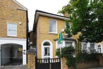 4 bed house in Hartfield Road...
