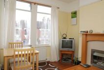 2 bed Flat in Hotham Road, Wimbledon...