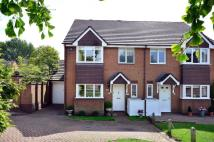 3 bedroom house in Cottenham Park Road...