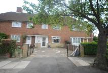 3 bed property in Linkway, Raynes Park...