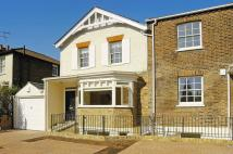 3 bedroom home in Petersham Road...