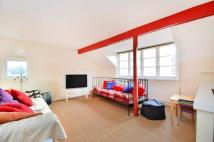2 bedroom Flat to rent in St Johns Road, Richmond...