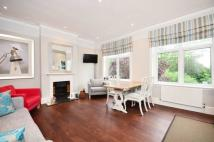 Flat to rent in North Road, Kew, TW9