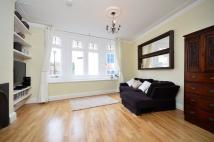 Flat to rent in George Street, Richmond...