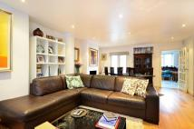 4 bed house in Petersham Road, Ham, TW10