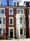 Studio flat in Petersham Road...