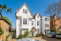 Flat in Sheen Road, Walpole Park...