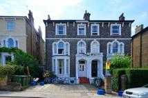 3 bed Flat to rent in Montague Road, Richmond...