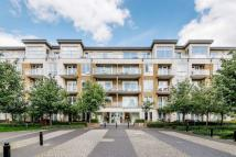 Flat in Melliss Avenue, Kew, TW9