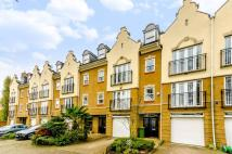 5 bedroom house to rent in Barker Close, Richmond...