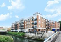 Brentford Lock Flat to rent