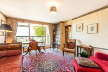 Flat to rent in Howson Terrace...