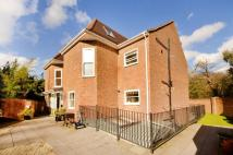 2 bed Flat in Latchmere Lodge...