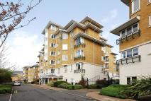 3 bedroom Flat to rent in Strand Drive, Kew, TW9