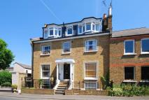 Flat to rent in Princes Road, Richmond...