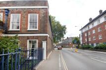 2 bedroom Flat in Mortlake High Street...