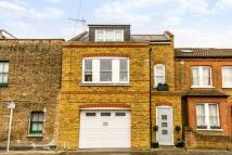 3 bedroom property in Windsor Road, Kew, TW9