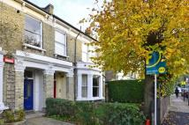 2 bedroom Maisonette in Cornford Grove, Balham...