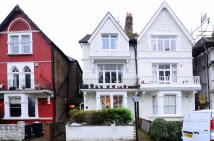 Flat to rent in Rastell Avenue, Balham...