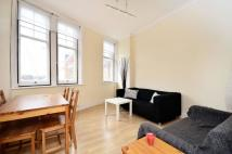 Flat in Balham High Road, Balham...