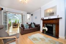 2 bedroom Flat for sale in Thornton Avenue...