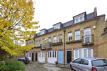 3 bedroom house in Royal Duchess Mews...